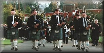 Helensburgh Clan Colquhoun Pipe Band - Piping and Drumming since 1913